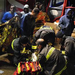 BRINDISI: NAUFRAGIO PER 67 IMMIGRATI, TRE I MORTI ACCERTATI
