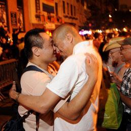 New York, sì ai matrimoni gay. Ora sono legali in sei stati
